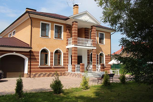дом в Санкт-Петербурге
